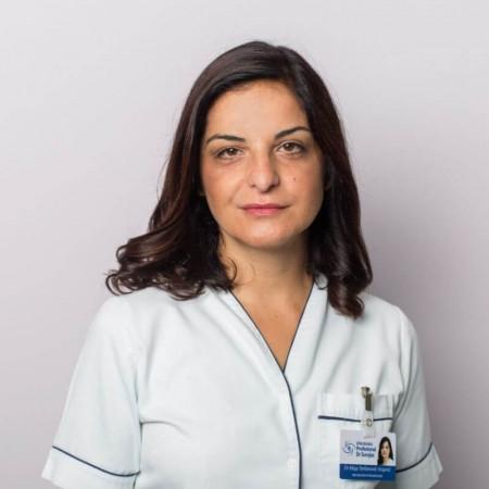 Dr Maja Stefanović Vujanić je specijalista oftalmologije sa više od 10 godina iskustva. Uspešna je u dijagnostici i lečenju bolesti suvog oka.