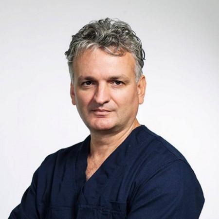 Spec. dr med. Milan Mrdak, Specijalista neurohirurgije