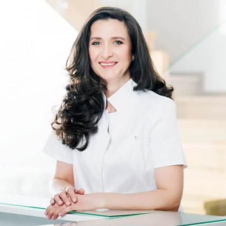 Dr mr sci. med. Brankica Tepavčević, Specijalista plastične, rekonstruktivne i estetske hirurgije