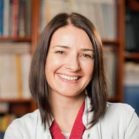 Dr Nina Šijan, Specijalista plastične i rekonstruktivne hirurgije