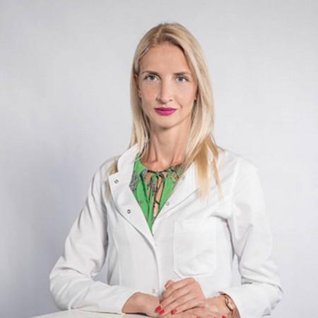 Dr Zorka Inić je specijalista opšte hirurgije u Beogradu. Bavi se lečenjem pacijenata sa tumorima štitne žlezde, dojke i kože.