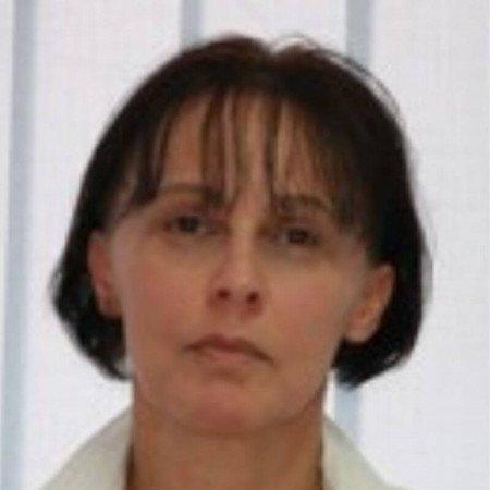 Dr Branka Nikolić je specijalista ginekologije sa više od 30 godina iskustva. Uža oblast interesovanja su joj ginekološka endokrinologija i maligne gestacijske bolesti.