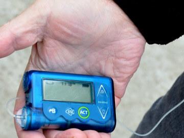 Insulinska pumpa je novi iskorak u terapiji dijabetesa, a uz pravilnu ishranu oboleli žive dobro i kvalitetno. Trudimo se da svaka trudnica dobije pumpu, iako to nije uvek slučaj, rekla je prof. dr Beljić-Živković.