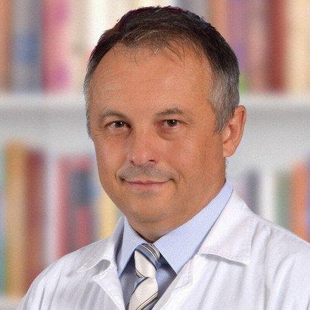 Prim. dr sci. med. Aleksandar Oroz, Specijalista maksilofacijalne hirurgije