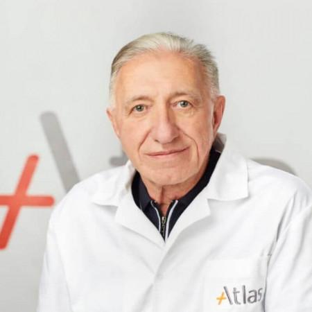 Dr Dragomir Mirković je specijalista opšte hirurgije sa višegodišnjim internacionalnim iskustvom. Bavi se operacijama hernija, žučne kese, hemoroida i slepog creva.