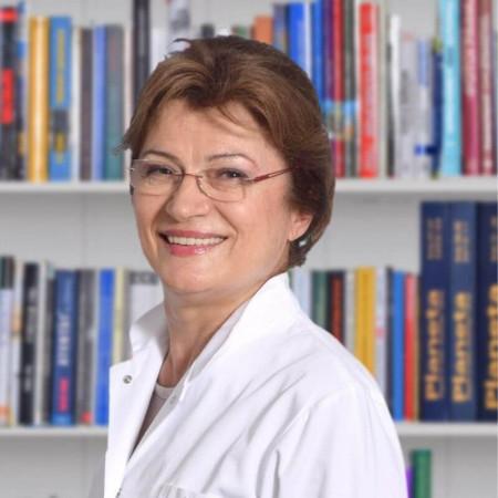 Prim. dr sci. med. Spomenka Smiljanić, Specijalista pedijatrije, pulmolog