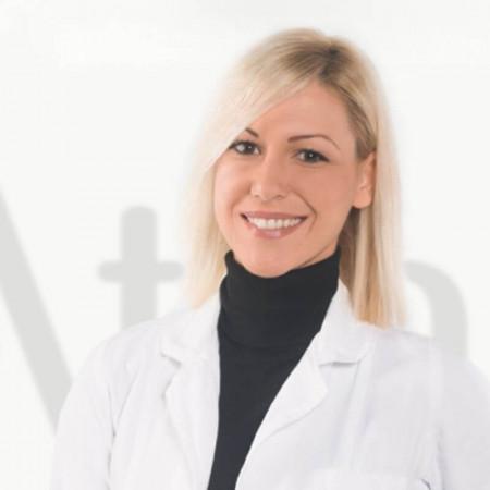 Dr Dušanka Černić je specijalizant  plastične, rekonstruktivne i estetske hirurgije, zaposlena u Beogradu. Pročitajte biografiju i zakažite pregled.