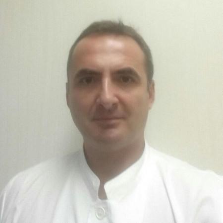 Dr Aleksandar Radunović je ortoped sa VMA