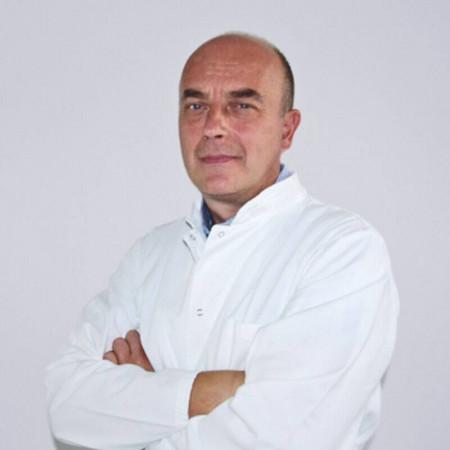 Doc. dr Ivan Baljošević je specijalista otorinolaringologije sa dugogodišnjim radnim iskustvom. Trenutno radi u Beogradu.
