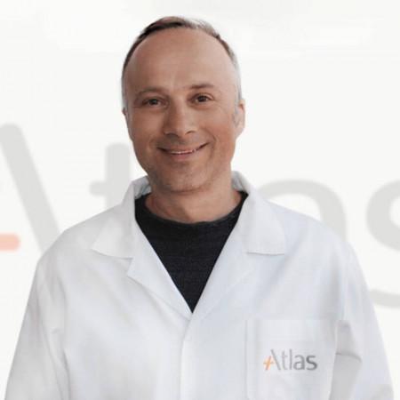 Dr Predrag Marić je specijalista urologije u Beogradu. Ima više od 20 godina iskustva u radu. Uža oblast interesovanja mu je laparoskopska hirurgija.