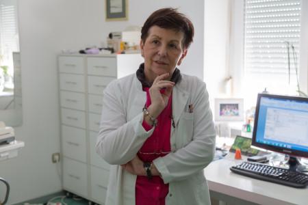 Dr mr sci. med. Snežana Babić, Specijalista oftalmologije i strabologije