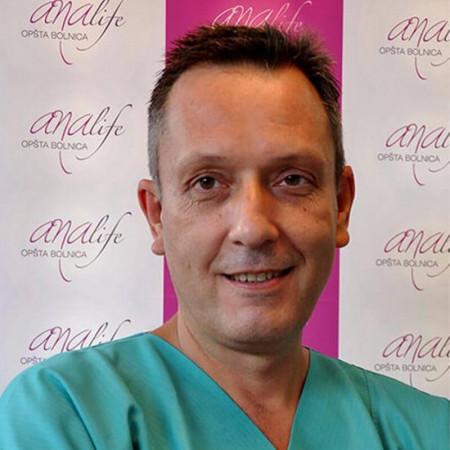 Dr Aleksandar Šepetkovski je specijalista opšte hirurgije sa dugogodišnjim radnim iskustvom. Trenutno radi u Beogradu.