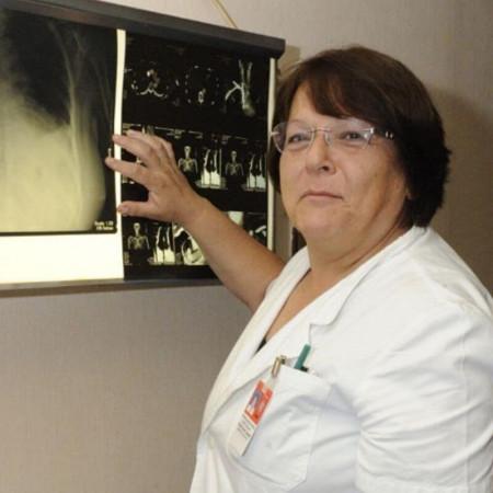 Prof dr Branislava Glišić je specijalista interne medicine, reumatolog u Beogradu. Uža oblast interesovanja su joj osteoporoza i sistemske bolesti vezivnog tkiva.