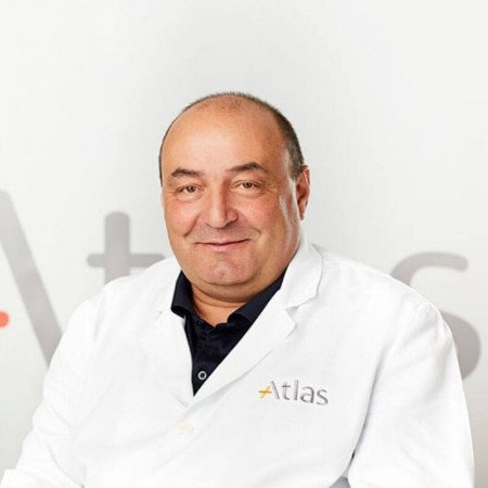 Dr Gordan Gavrilović je specijalista ortopedije sa traumatologijom sa dugogodišnjim radnim iskustvom. Trenutno radi u Beogradu.