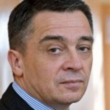 Prof. dr Tomica Milosavljević, Specijalista gastroenterohepatologije