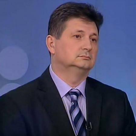 Prim. dr Radomir Benović, specijalista neurohirurgije iz Beograda. Jedan od vodećih stručnjaka za lečenje diskus hernije.