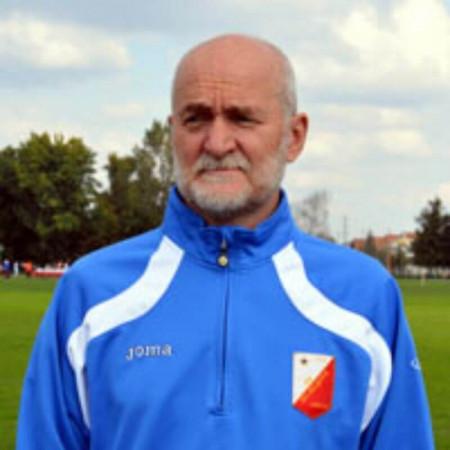 Dr Stanko Čović je specijalista radiologije-interventni radiolog iz Novog Sada.