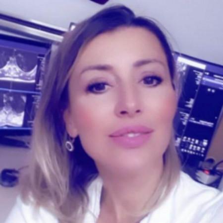 Dr Dragana Dželebdžić specijalista je radiologije-neuroradiolog iz Beograda.
