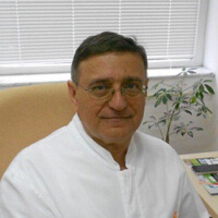 Dr Ferenc Varga je specijalista oftalmologije iz Beograda. Bavi se lečenjem katarakte, glaukoma, laserskim skidanjem dioptrije. Pročitajte više i zakažite pregled.