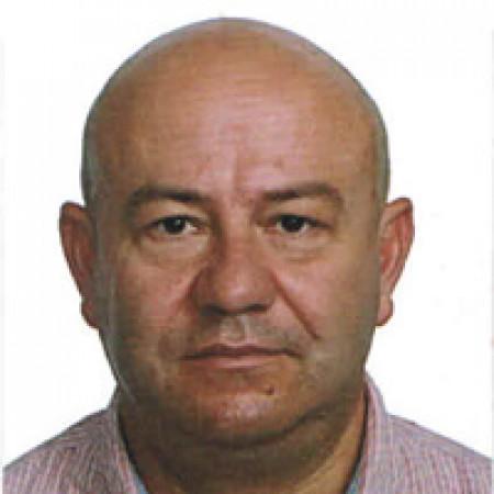 Potpukovnik dr Miodrag Dinčić je specijalista anesteziologije sa reanimatologijom iz Beograda.