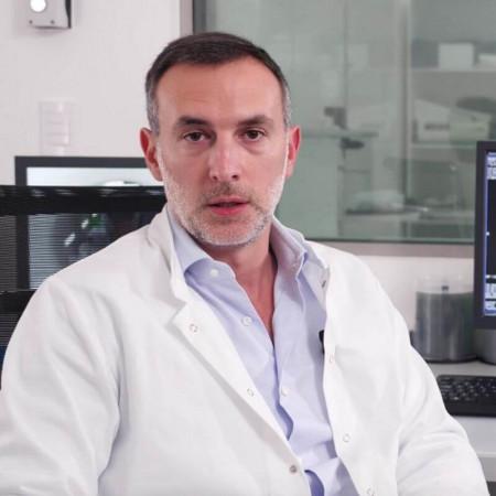 Dr Dušan Damjanović je specijalista radiologije i neurologije u Beogradu. Izuzetno ga interesuje dijagnostika i lečenje multiple skleroze. Zakažite pregled.