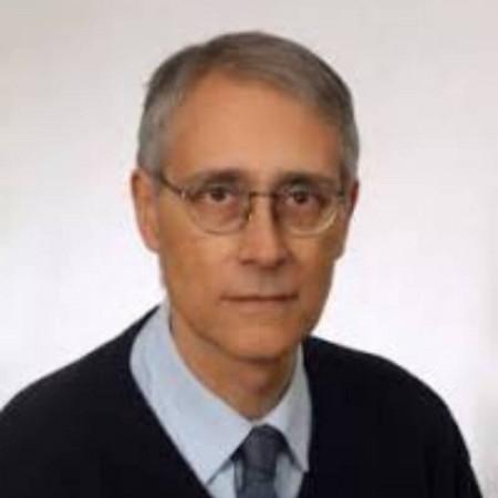Dr Dragan Pavlović jespecijalista neuropsihijatrije sa dugogodišnjim radnim iskustvom.