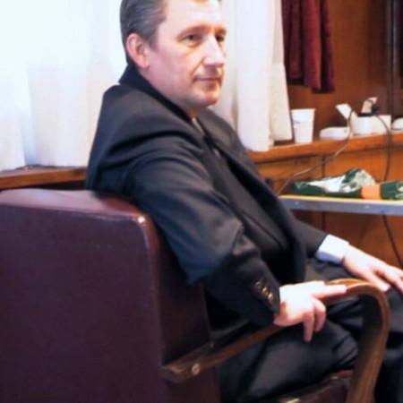 Dr Živorad Savić je specijalista radiologije, neuroradiolog iz Beograda.