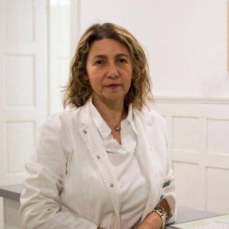 Dr Milena Šćepanović je specijalista opšte hirurgije, proktolog iz Beograda. Stručnjak za lečenje hemoroida, fisura i fistula debelog creva.