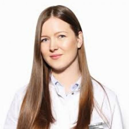 Dr Hristina Miladinović, Specijalizant dermatovenerologije