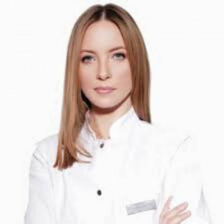 Dr Milica Ranitović Kruščić je specijalista dermatovenerologije.Svoje profesionalno radno iskustvo gradi radom u privatnim i državnim ustanovama.