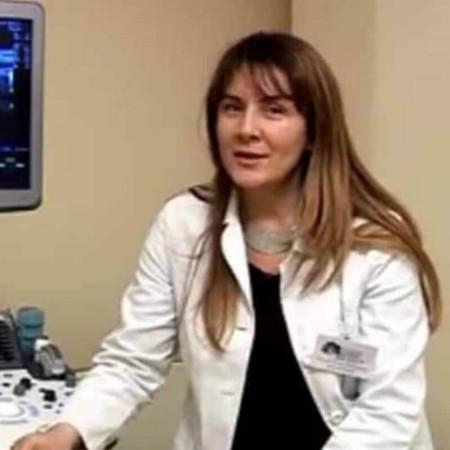 Dr Nataša Radujković je specijalista radiologije iz Beograda. Obavlja ultrazvučne preglede različitih organa, kao i CT (skener).