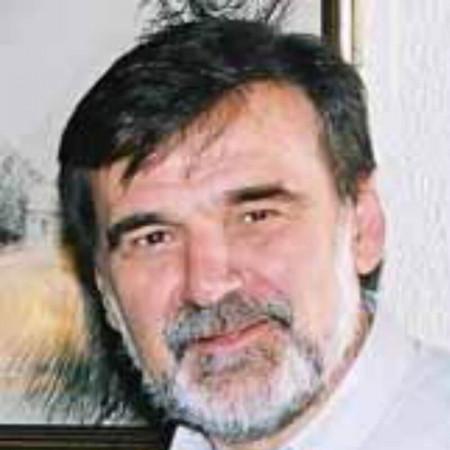 Dr Slobodan Vučurević je specijalista radiologije iz Novog Sada.