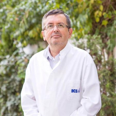 Dr Pero Stupar je specijalista radiologije iz Subotice. Ima dugogodišnje iskustvo u radiološkoj dijagnostici.