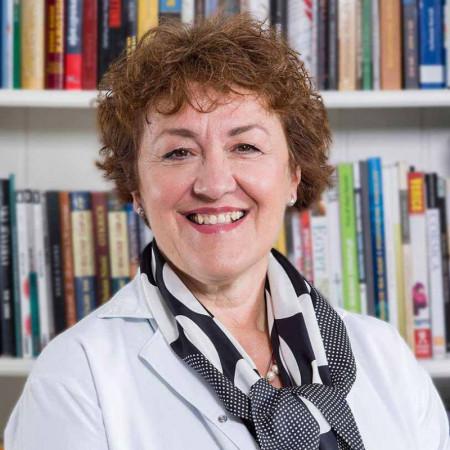 Prof. dr Mirjana Šumarac je internista endokrinolog u Beogradu sa višedecenijskim iskustvom u oblasti endokrinologije. Pročitajte biografiju i zakažite pregled.