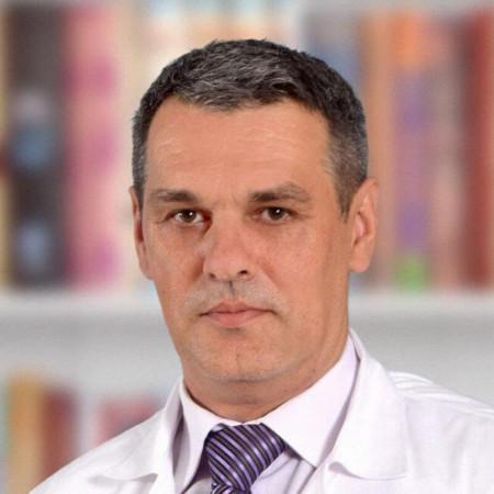 Dr Aleksandar Plašić je specijalista psihijatrije iz Beograda, stručnjak za lečenje bolesti zavisnosti. Pročitajte više i zakažite pregled.