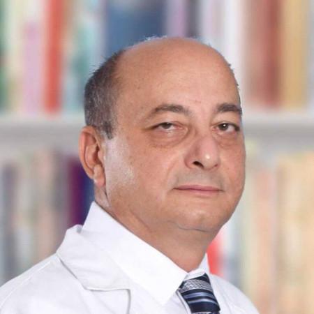 Prof. dr Milan Petronijević je specijalista interne medicine, uvaženi reumatolog sa višegodišnjim iskustvom, iz Beograda. Pročitajte više o doktoru i zakažite pregled.