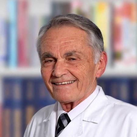 Dr Miroslav Žilih je specijalista medicine rada iz Beograda, sa 40 godina radnog iskustva. Pročitajte više o doktoru i zakažite pregled.