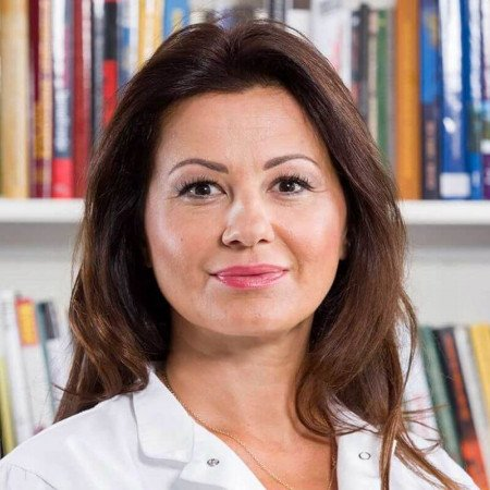Doc. dr Ljiljana Čvorović je otorinolaringolog iz Beograda. Bavi se pretežno bolestima uha kod dece i odraslih, i urgentnim stanjima u ORL. Pročitajte više i zakažite.