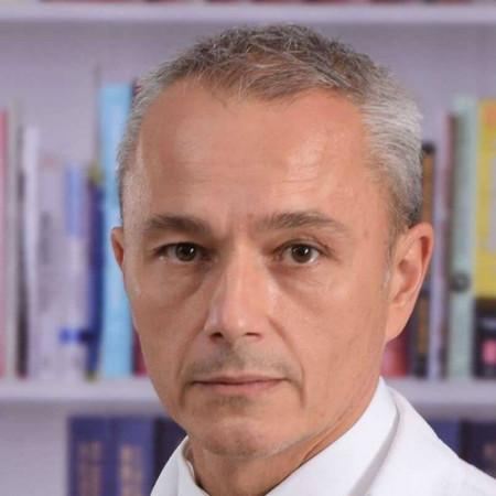 Prim. dr Predrag Mitrović, Specijalista ginekologije i akušerstva