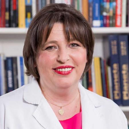 Dr Nevena Savić je internista alergolog u Beogradu sa dugogodišnjim iskustvom u lečenju svih oblika alergijskih bolesti. Pročitajte biografiju i zakažite pregled