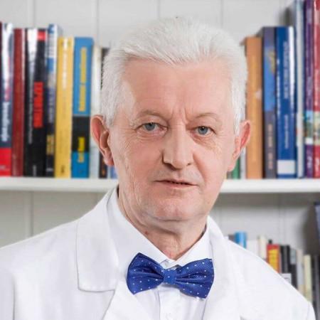 Dr Milan Ranković je specijalista anesteziologije sa reanimatologijom iz Beograda. Posebno angažovan u endoskopskoj hirurgiji. Saznajte više i zakažite.