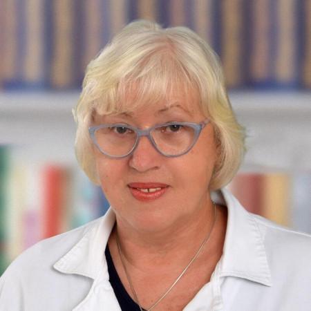 Dr Emilija Zorić je specijalista otorinolaringologije iz Beograda, sa više od 20 godina iskustva u lečenju dece i odraslih. Pročitajte više i zakažite pregled.
