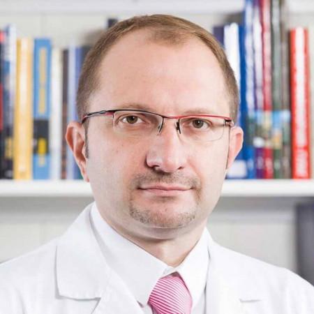 Doc. dr Nemanja Đenić je internista-interventni kardiolog iz Beograda, sa 15 godina iskustva i oko 500 intervencija godišnje. Pročitajte više i zakažite pregled.