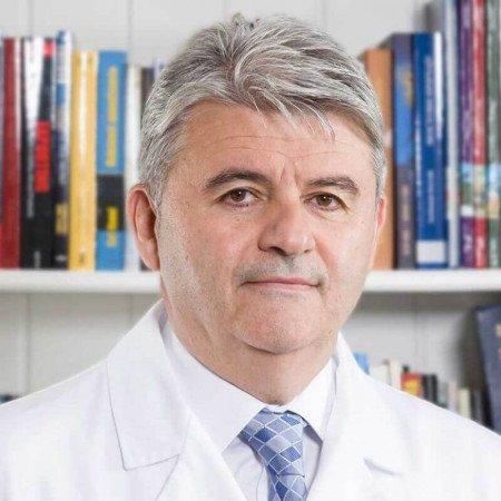 Prof. dr sci. med. Dušan Stefanović, Specijalista interne medicine, reumatolog