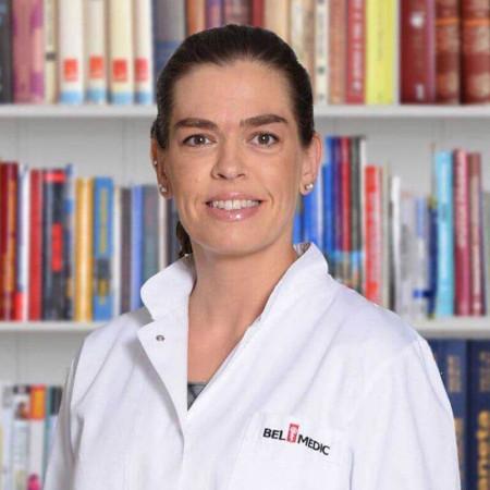 Dr Maja Lačković je specijalista psihijatrije u Beogradu. Uža oblast interesovanja joj je lečenje afektivnih poremećaja i unipolarne i bipolarne depresije. Zakažite