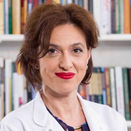 Dr Snežana Rsovac je specijalista dečje pulmologije. Uža oblast interesovanja joj je lečenje astme, alergijskog rinitisa i infekcija disajnih puteva.