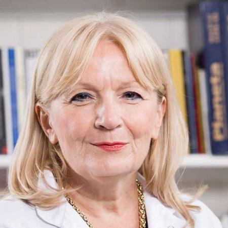 Prof dr Milica Čizmić je specijalista endokrinologije sa višegodišnjim iskustvom. Bavi se lečenjem insulinske rezistencije, dijabetesa, bolesti štitaste žlezde.