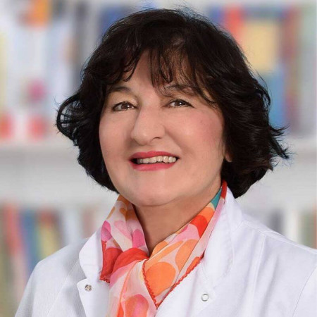 Dr Snežana Mihailović je specijalista dečje pulmologije i alergologije u Beogradu. Ima višegodišnje iskustvo u lečenju astme i drugih plučnih bolesti.