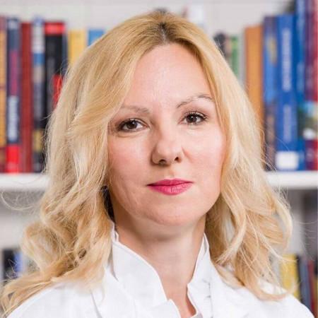 Dr Jelena Krstić je specijalista psihijatrije u Beogradu. Ima višegodišnje iskustvo u lečenju depresije, anksioznosti, psihosomatskih i poremećaja povezanih sa stresom.
