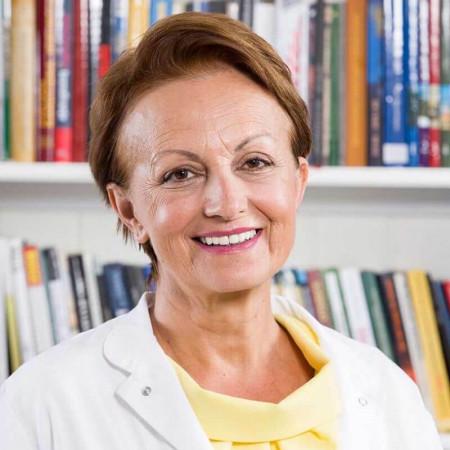 Dr Lidija Galović je specijalista pedijatrije sa višegodišnjim iskustvom. Radi kao ambulantni lekar u Domu zdravlja.